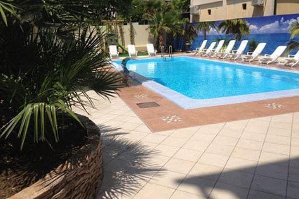 Гостиницы в абхазии с бассейном